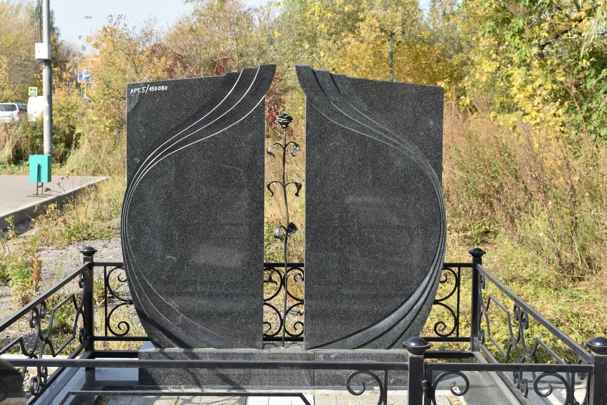 фото памятники семейные