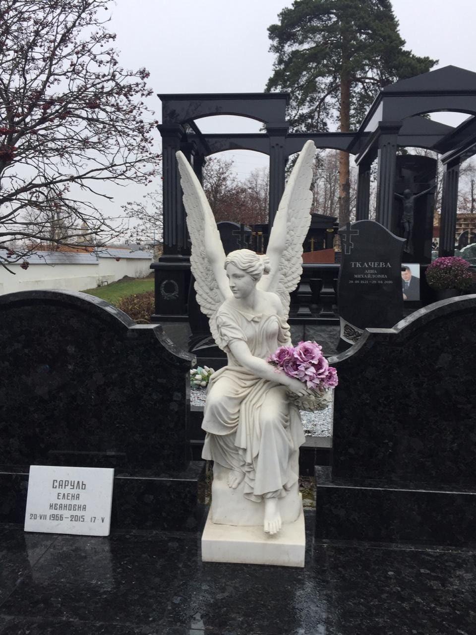 фото ангелы на могилу