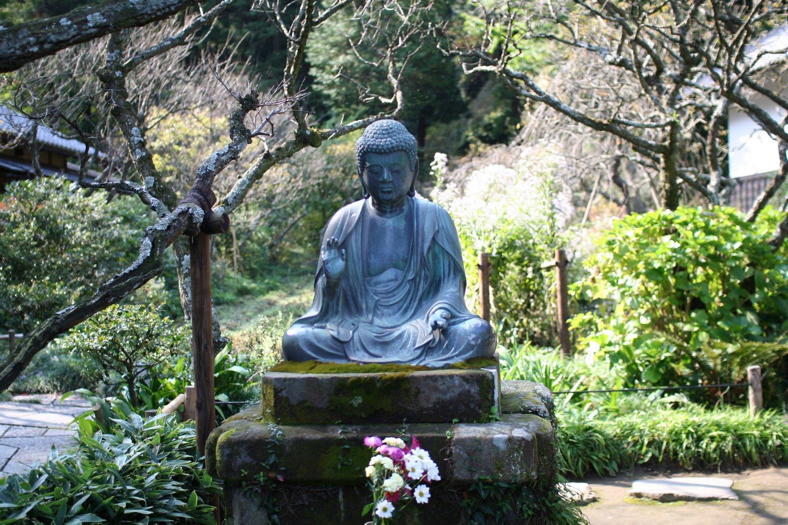 фото буддистские памятники